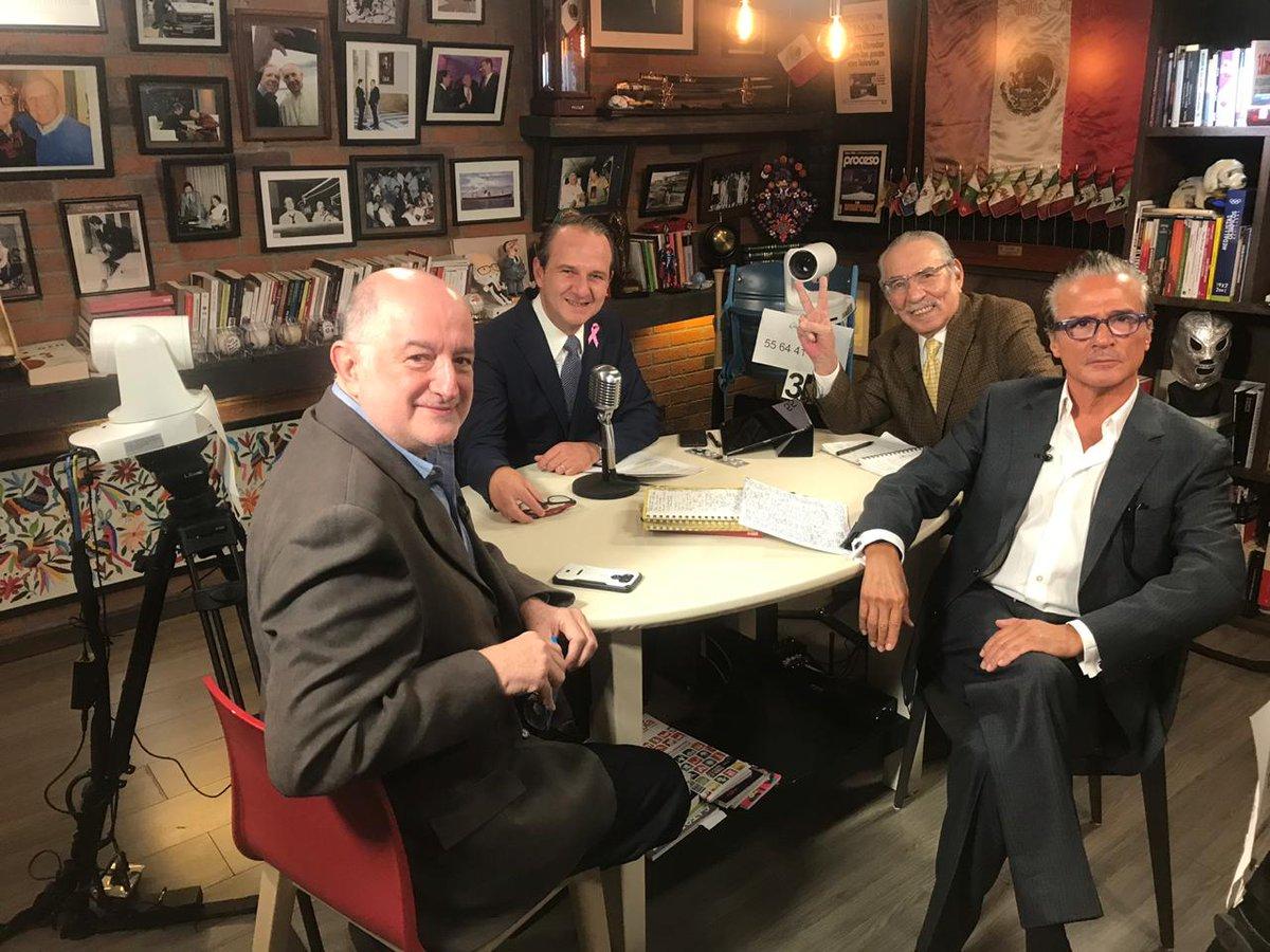 #Ahora La mesa de análisis político con @marioavilaroque @cafepolitico @RoyCampos y @ReneCasados #Radiofórmula y #Telefórmula