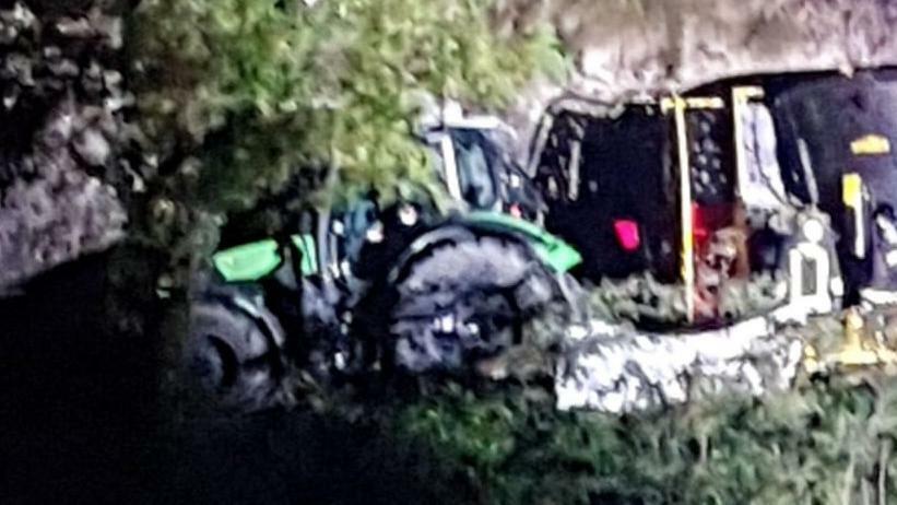 Tragedia a Sedico, muore sul trattore travolto da ...