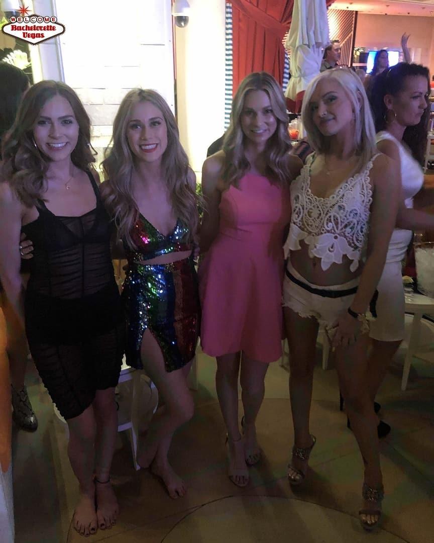 #vegasgirlsnightout #VegasHappyHour #humpdayfeels #PartyNights #LasVegasLife #humpdaymotivation #HensNight #VegasNightClub #LasVegasNevada #bacheloretteweekend #BombShell #Wednesdaynight #henparty #PartyNight #BestView #GirlsNightout… http://dlvr.it/RGLllL @bachelorettevip