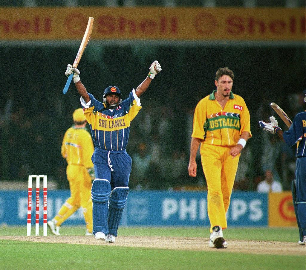 runs  wickets  Men's @CricketWorldCup final    Happy birthday to Aravinda de Silva, Player of the Match in the 1996 World Cup final against Australia! <br>http://pic.twitter.com/q3CSGttO9E