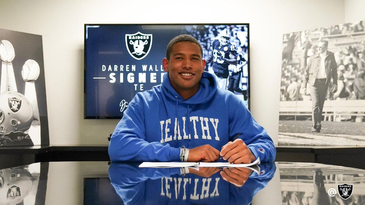 Replying to @Raiders: We have signed Darren Waller to a multi-year contract extension.  More: