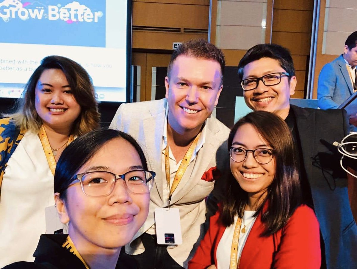Very much enjoyed presenting on new marketing models and brand building in a digital world today @digiconph The Philippines has come so far so fast in the last decade and it's an honour to be working here ... Utang na loob #Creative #influencer #DigiconLEAP @whalar https://t.co/vgrAPjg8rD