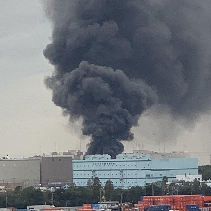 大阪市住之江区南港南で大規模火災が発生した現場の画像