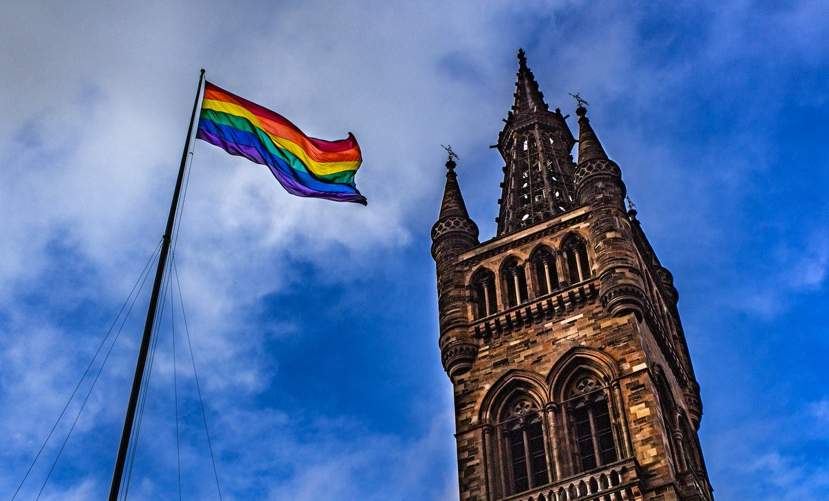 UofG's LGBT+ Staff Network @uofglgbt are proud to welcome @robertsoftley Artistic Director of @BOPTheatre to talk LGBT+ representation and accessibility in the Arts next Tues 22 Oct 5.30pm @hunterian 🏳️🌈  Tickets 👉 https://www.eventbrite.com/e/lgbt-staff-network-talk-with-robert-gale-tickets-76773925879…