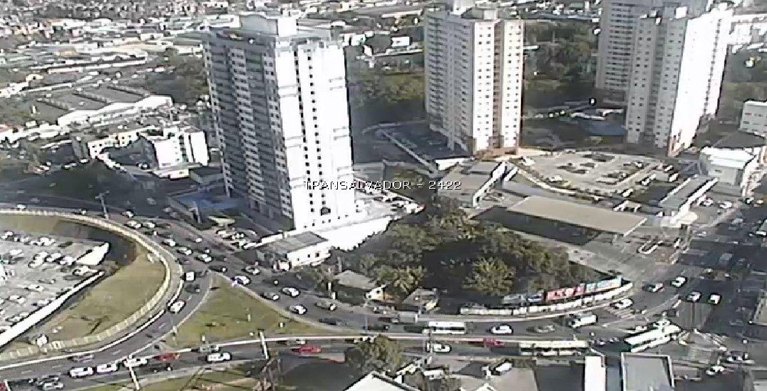 Trânsito flui no início da Rua Silveira Martins, Cabula.   #TrânsitoSalvador https://t.co/ut4ZTmkysn