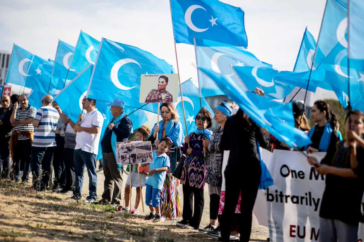 China threatens Uighur Muslims living in Europe: if you protest against the Chinese governments mass detention of Uighurs in Xinjiang for forced indoctrination, there will be consequences for your family members who still live in Xinjiang. trib.al/0bN51Nm