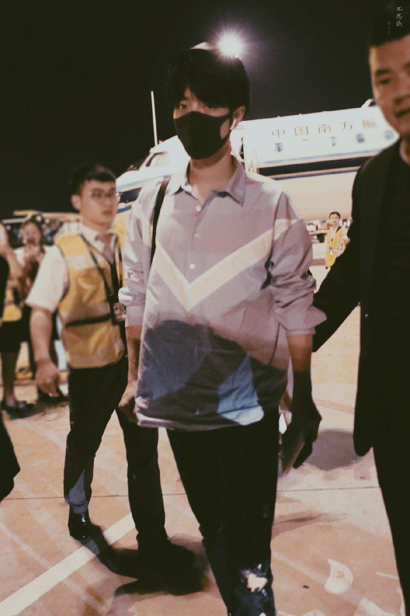 [Wuxi 🛫 Guangzhou]จ้านจ้านสะพายกล้อง 📷 🤔cr; 不思議·肖战 #XiaoZhan #XiaoZhanAirport
