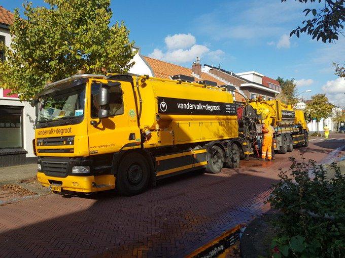 Centrum Honselersdijk  Dijkstraat heeft het zwaar met het verkeer dat vanwege afsluiting Middelbroekweg. https://t.co/UbII6Yl5bA