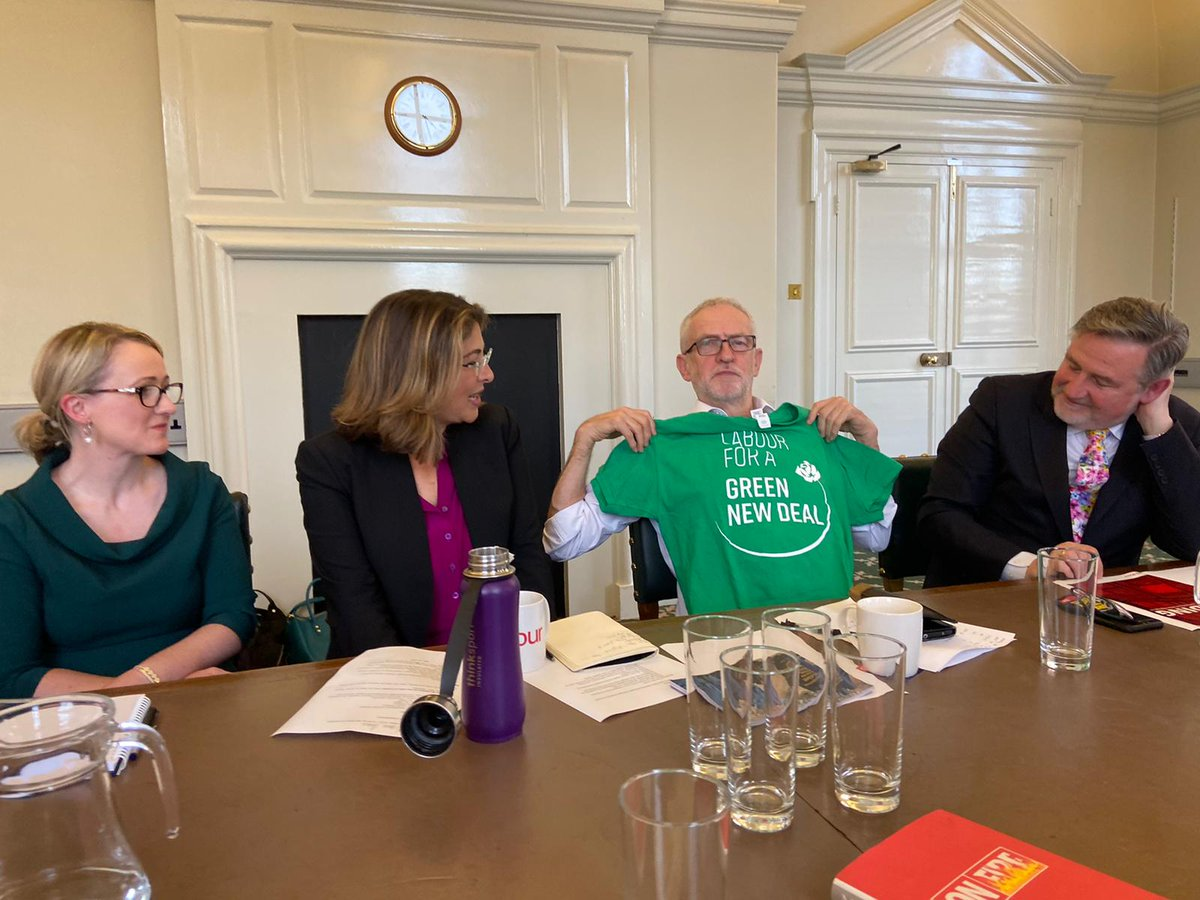 We had an amazing meeting with @jeremycorbyn, @RLong_Bailey and @NaomiAKlein in Parliament yesterday! We're proud that Jeremy and Rebecca are leading Labour towards a radical Green New Deal. Bring on the General Election ✊🌹
