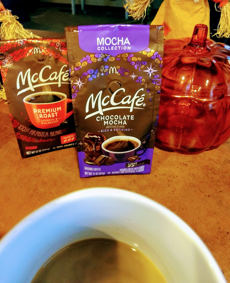 Stopped by @Walmart and picked up McCafe Chocolate Mocha to give it a try  Truth? 1st mocha coffee I've tried that has a yummy rich chocolatey flavor!  So good. #SimplyDeliciousAtWalmart @SheSpeaksUp  #ad<br>http://pic.twitter.com/gxOzwLdCOi