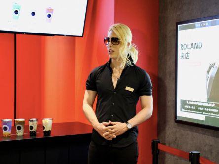 3000RT:【出身地・八王子に】ROLANDプロデュースのタピオカ店がオープン他のタピオカ店との違いは「俺が出店したか。それ以外か」とのことで、今後、ROLANDは不定期で来店するそう。