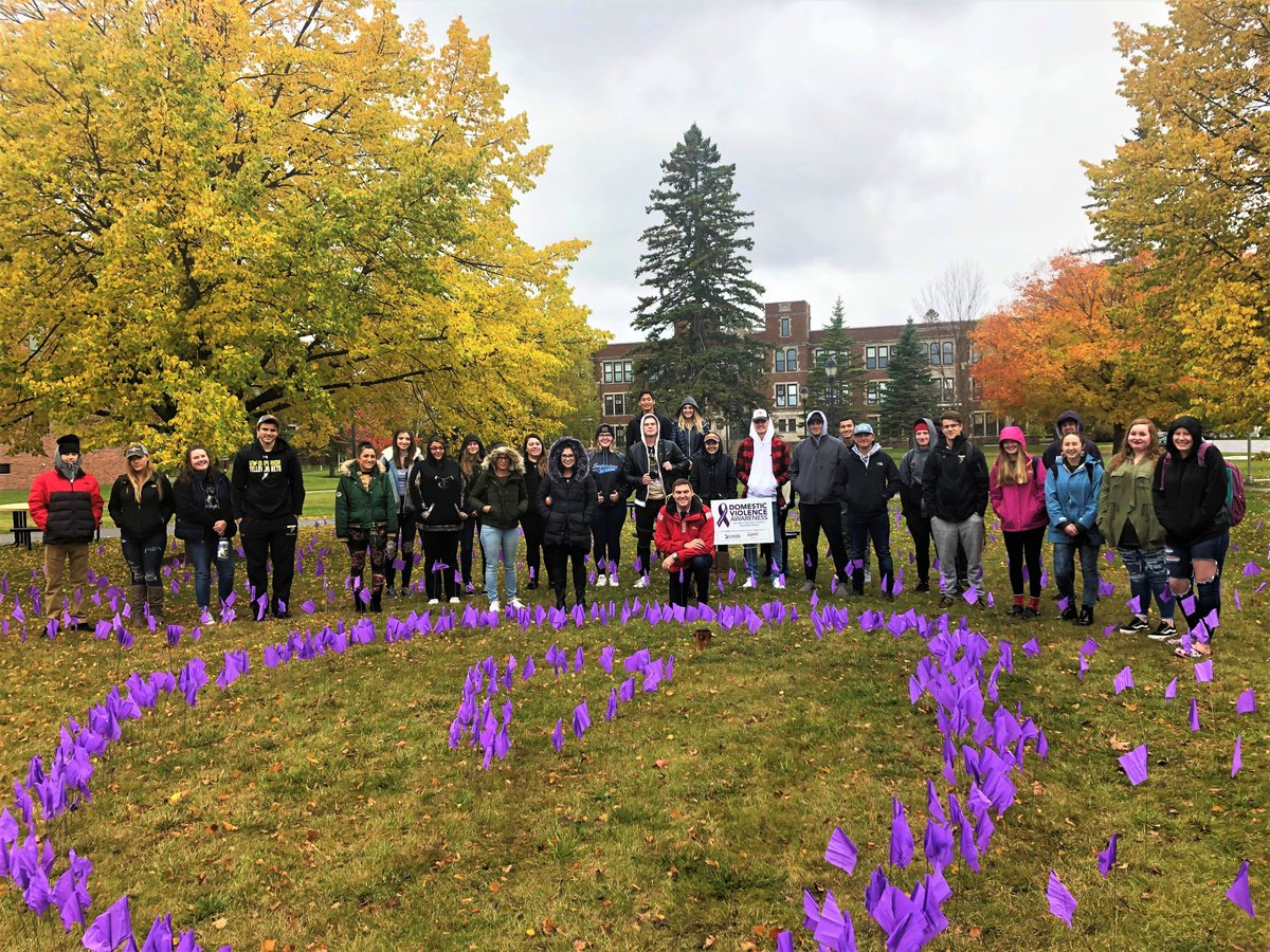 UW-Superior students placed 3,000 purple flags in the campus square in recognition of #DomesticViolenceAwarenessMonth https://t.co/GPwQywmf7o https://t.co/nXgsnAIEHm