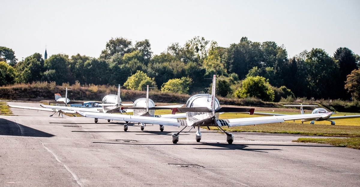 It was on September 20th: for the first time, 5 Sonaca 200s took off to conduct a formation flight near Sonaca Aircraft assembly site. Congratulations to the pilots for the air show: J. Bodart (OO-NEW), L. Tanghe (OO-NZD), E. Bas (OO-SIS), S. Braem (OO-NCA) & J. Dellis (OO-NCC).