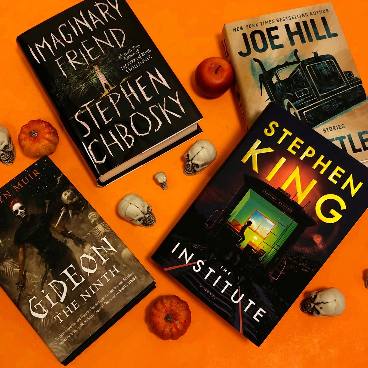 #Halloween is coming and we've got new scary books for the spooky season! 💀🎃👻