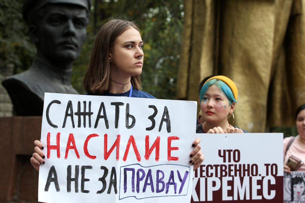 Domestic violence is not a family matter. Its a serious crime. The Kazakhstan government should criminalize it as a stand-alone crime. It should also provide more shelters for survivors, more police training, and access to justice. New @HRW report: trib.al/nyvbeBa