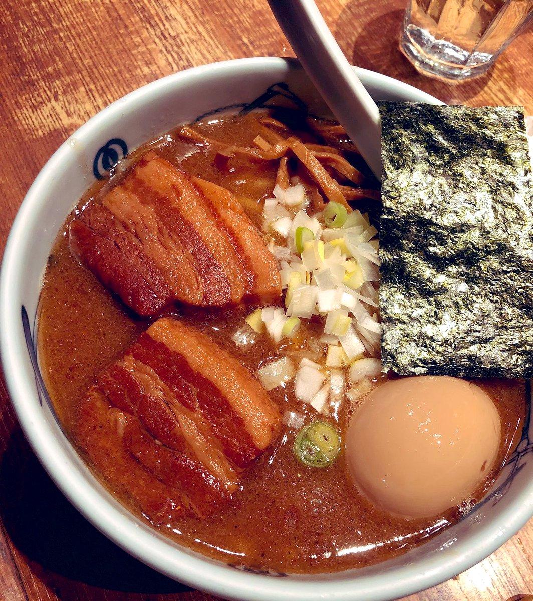 てでえま🦋🏠あーなんかお酒呑んだからかわからないけど無性に武蔵のラーメン食べたい〜🍜🍥食べたすぎる。。どうやって抑えよう😵カップラーメンたーべよ。