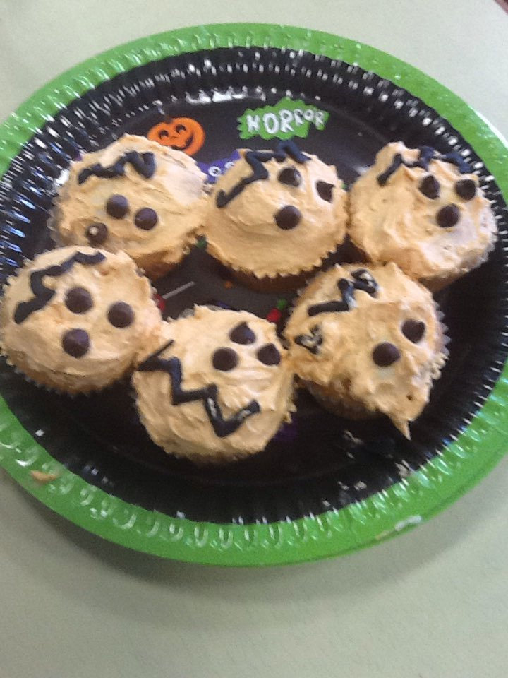 Year 4 had a great time decorating Halloween cakes #NationalBakingWeek Thank you to everyone for buying them. We have made £80 so far. Hope you all enjoying eating them.