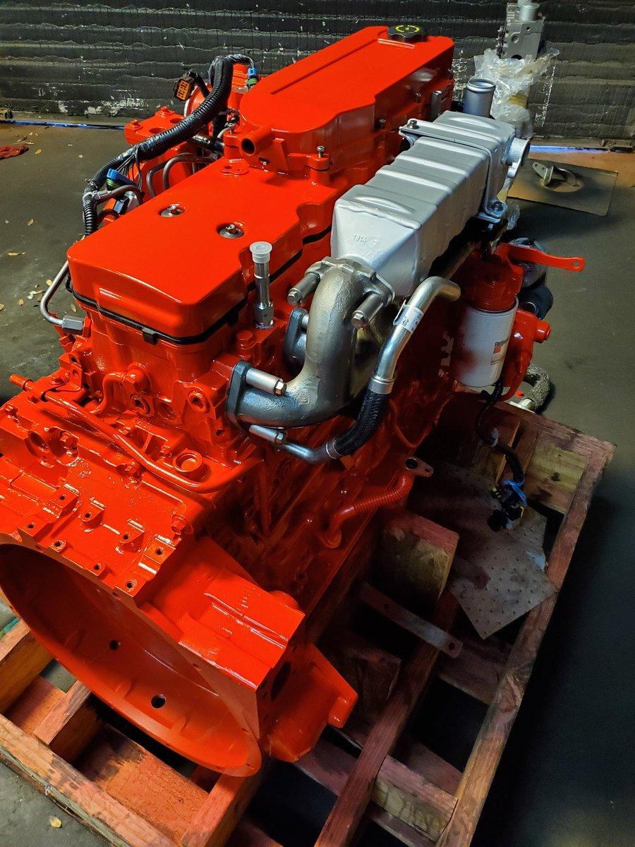 She's getting show room ready!  #diesel #engines #diesellife #AFS #atlanta #trucks #dieselengines #atlantadiesel #cummins #cumminsdealerpic.twitter.com/nFGCNc2aml