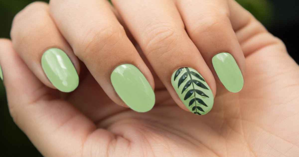 Added some greenery to our green.  #veganbeauty #crueltyfree #10free https://t.co/rVaYXpABbX https://t.co/b1HZ8ktiYl