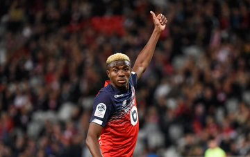 Hello Nigerians!  Here's the #Ligue1 Player of Month (September)!!  Victor Osimhen  <br>http://pic.twitter.com/h3hz0Aw2Tq
