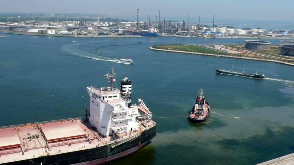 Fanghi: al Moranzani Terna si muove, ma i portuali...