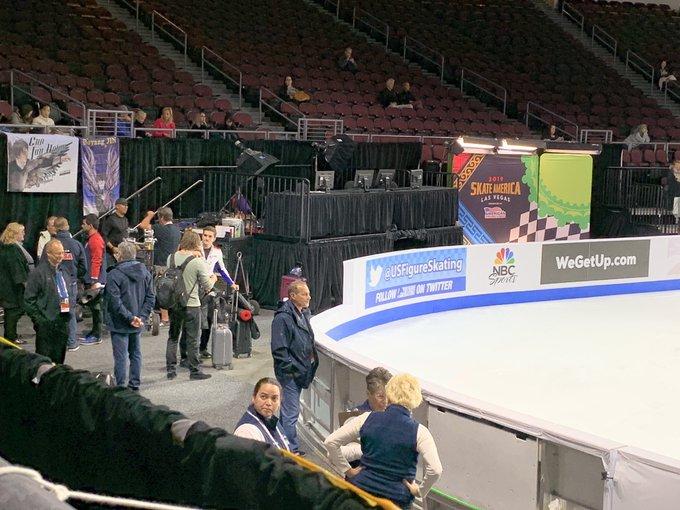 GP - 1 этап. Skate America Las Vegas, NV / USA October 18-20, 2019   - Страница 2 EHGasMwUUAAoD6N?format=jpg&name=small