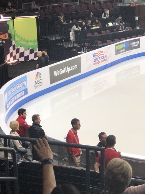 GP - 1 этап. Skate America Las Vegas, NV / USA October 18-20, 2019   - Страница 2 EHGcXcXUUAEiad0?format=jpg&name=small
