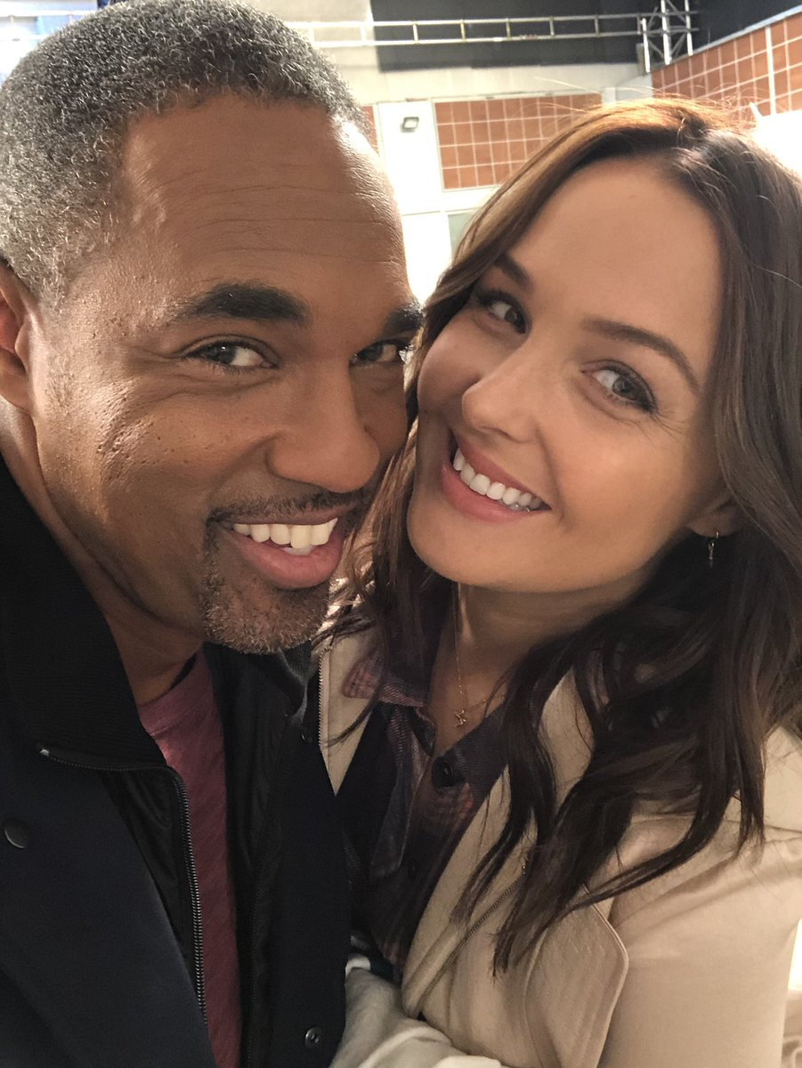 Back #home hangin with #oldfriends See you tonight #greysanatomy #station19 #tgit #tgitcrossover @camilluddington