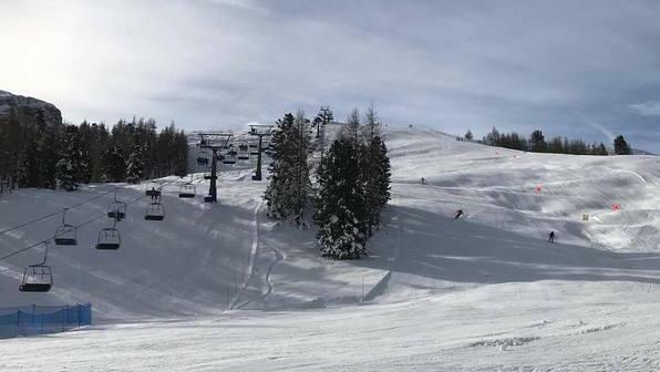 Sciare con i Santi: Cortina è pronta https://t.co...