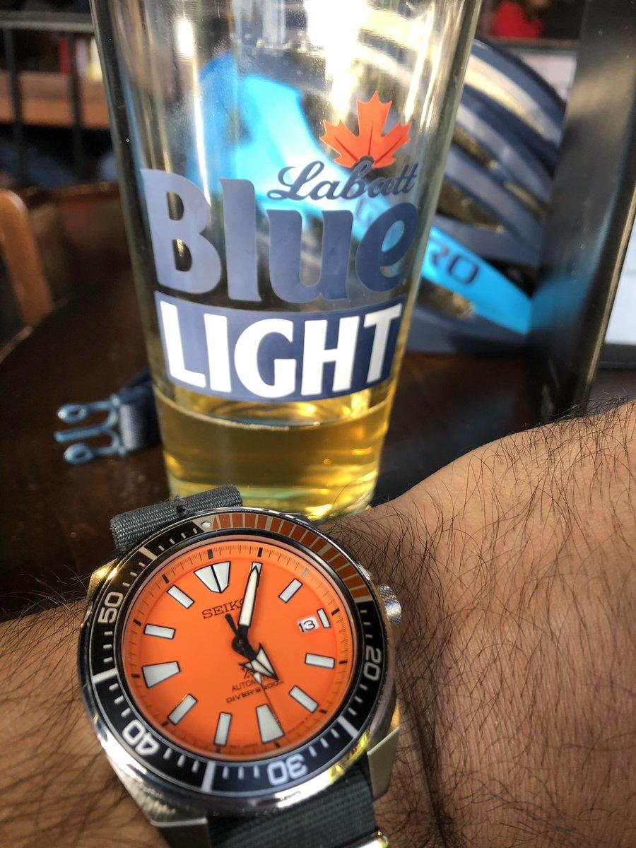 Ready for a drink - the Seiko Orange Samurai at Bleacher Bar  #TBT #throwbackthursday #Seiko #SRPC07 #SeikoSamurai #labattblue #fenwaypark @seikowatches https://t.co/rZ1r8zEjIE