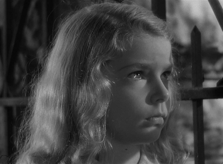 """THE CURSE OF THE CAT PEOPLE is """"about an imaginative young child punished for the beauty, delicacy, and poignancy of her melancholy reveries. Val Lewton, who produced the film, was like her."""" Alexander Nemerov: criterion.com/current/posts/… @criterionchannl — criterionchannel.com/val-lewton-pre…"""