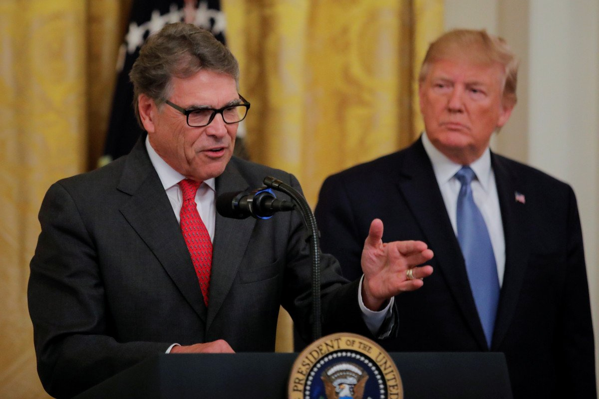 Rick Perry tells Trump he's resigning as energy secretary: reports trib.al/RFdQNMB
