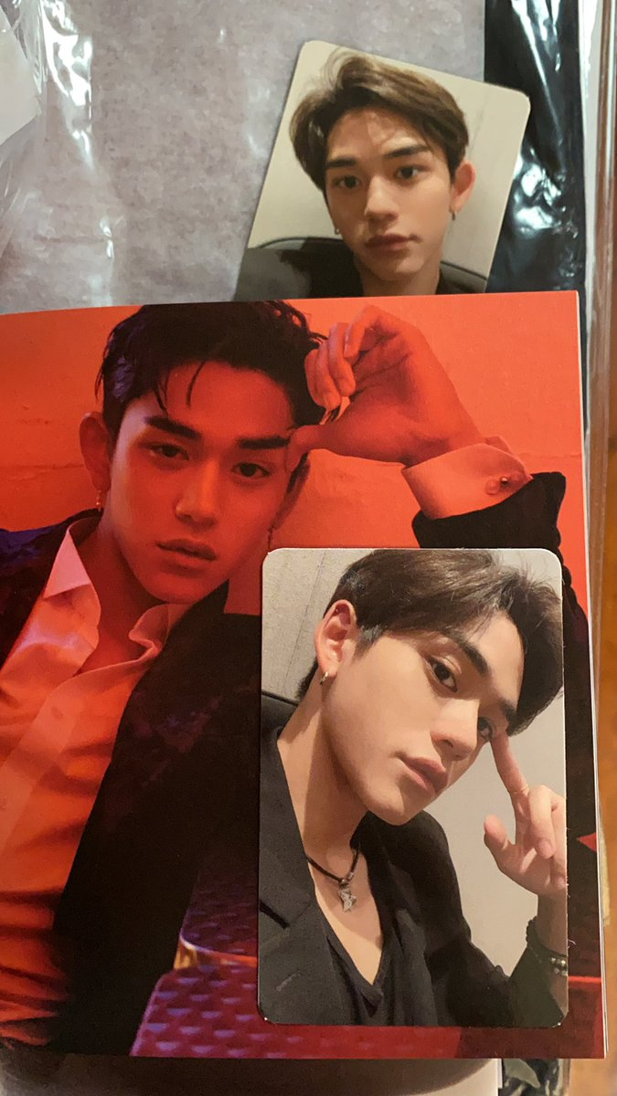 More albums finally arriving. Very dangerous to turn to this page 😂😂😂#superM #superMlucas #superm_number1