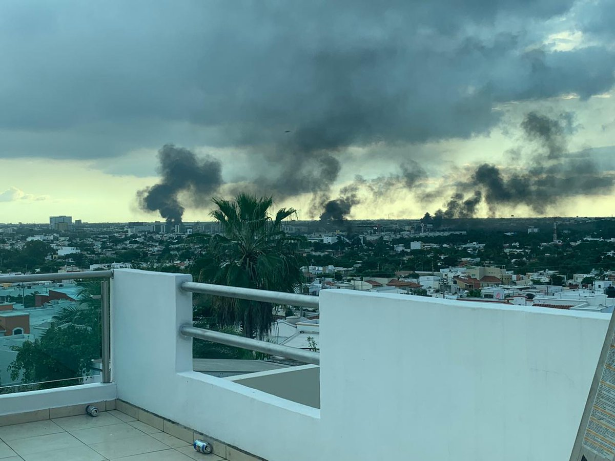 A friend sends me this scene from #Culiacán, a city at war today.