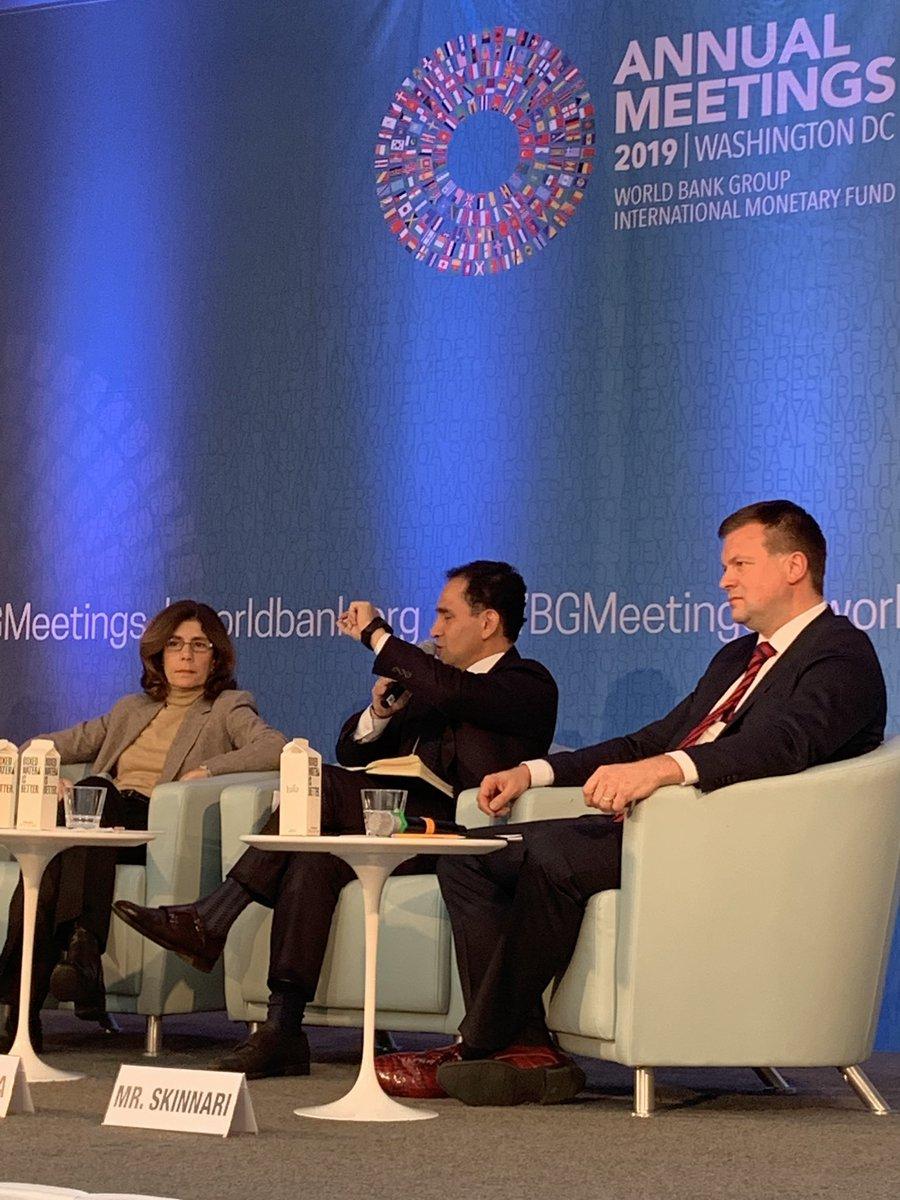 5. Junto con el Ministro finlandés @VilleSkinnari y la economista en jefe del Banco Mundial @Penny_WB, participé en un seminario sobre las #CadenasDeValor.