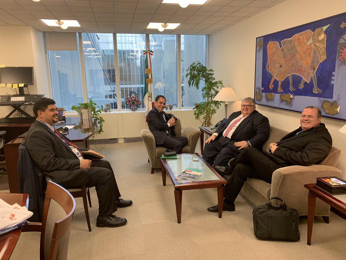 9. Reunión con el Director General del BIS, Bank of International Settlements, Agustín Carstens. 10. Reuniones con una de las tres grandes calificadoras.