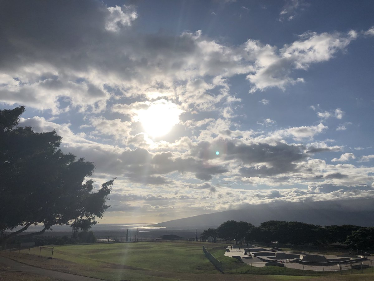 test Twitter Media - Warm and calm and Pukalani.#cmweather #Maui #Mauinokaoi https://t.co/xu0Fvg7eHM