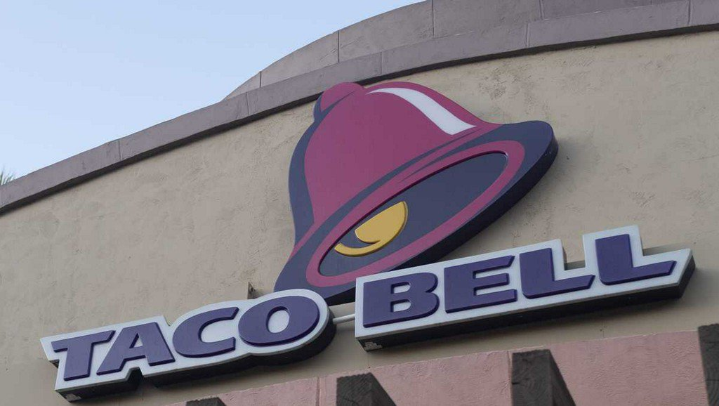Couple files federal lawsuit against Taco Bell over $2.18 bill dispute ketv.com/article/couple…