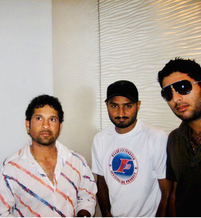 Old day gold days @sachin_rt @YUVSTRONG12 friends forever