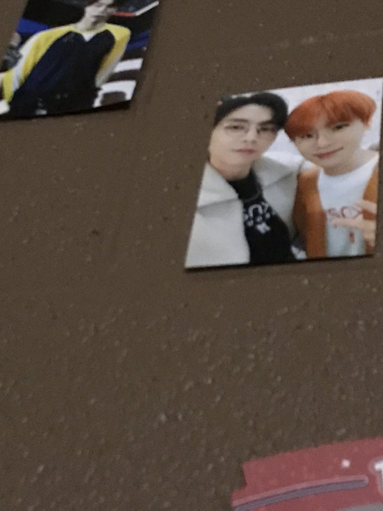 ignore the horrible quality but I JUST REALIZED I HAVE THE SAME PICTURE ON MY DORM WALL I just wanna thank you for it again  https:// twitter.com/NCTareuwu/stat us/1184902457987493888   … <br>http://pic.twitter.com/J5TIV5svI0