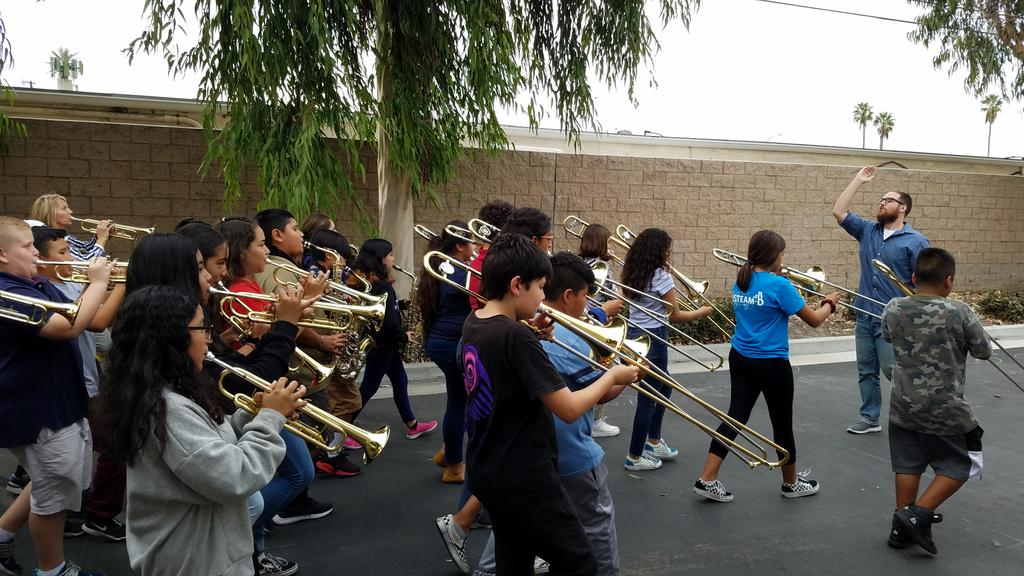 What does amazing look like? Dreaming outside the box and having the courage to go for it. @AnaheimElem marching band 2 1/2 months into the school year? Yes, we are going for it at the #AnaheimHalloweenParade!