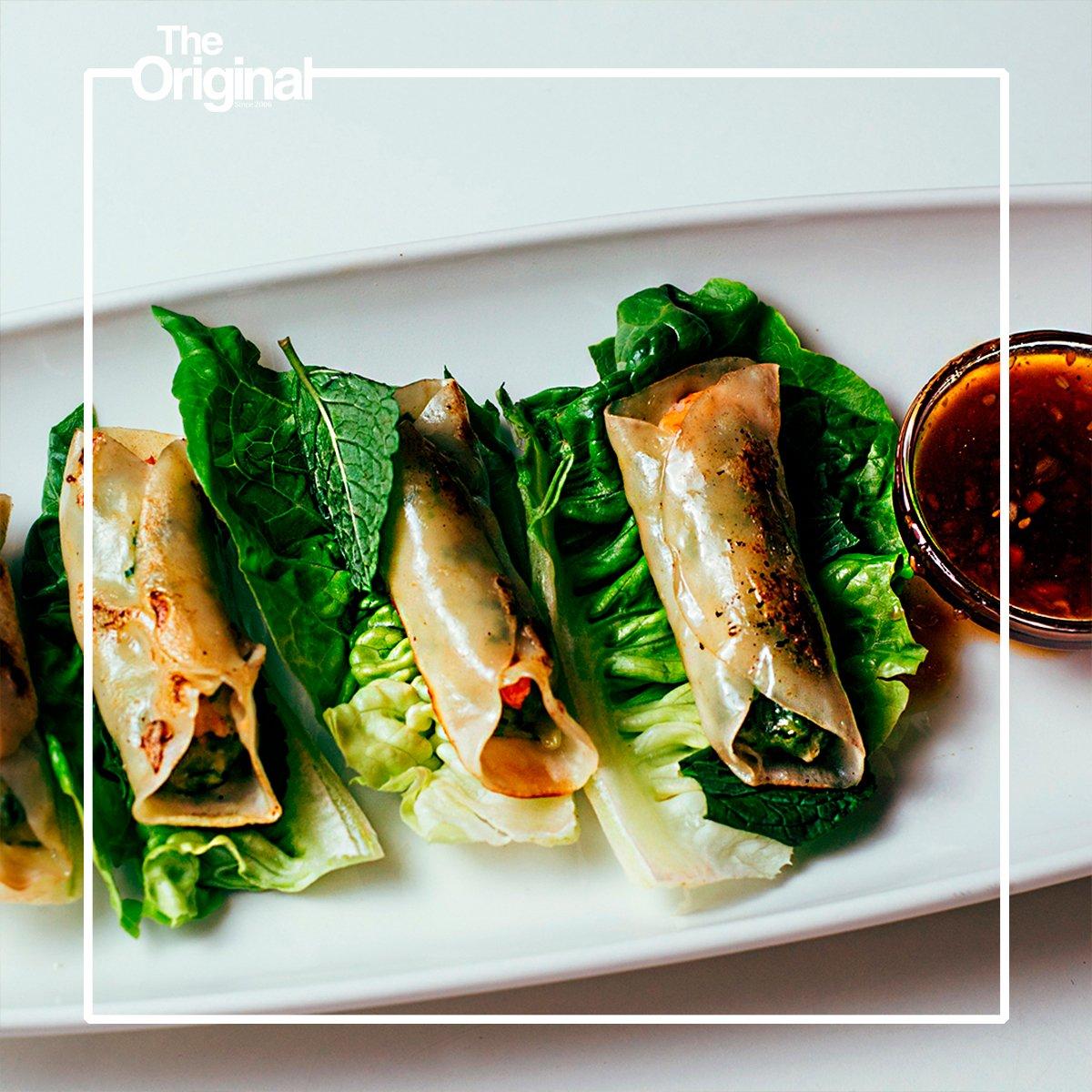 También tenemos entrantes más ligeritos y saludables. ¿Ya conoces nuestros rollitos vietnamitas de langostinos y verduras 🌿?   #HomeBurgerBar #Madrid #Malasaña #ClubSandwich #Realfood #Ponzaning #Foodies