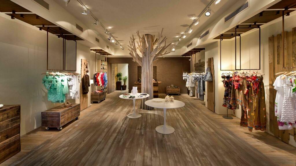 Commercio in centro a Treviso: chiude il negozio M...