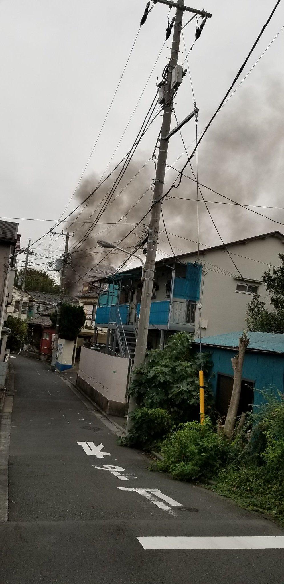 江戸川区平井の建物で大きな火事が起きてる現場の画像
