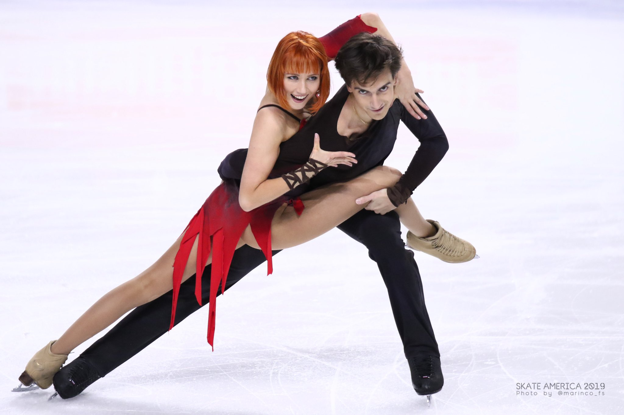 GP - 1 этап. Skate America Las Vegas, NV / USA October 18-20, 2019   - Страница 5 EHJP_HiUUAAlHDM?format=jpg&name=4096x4096