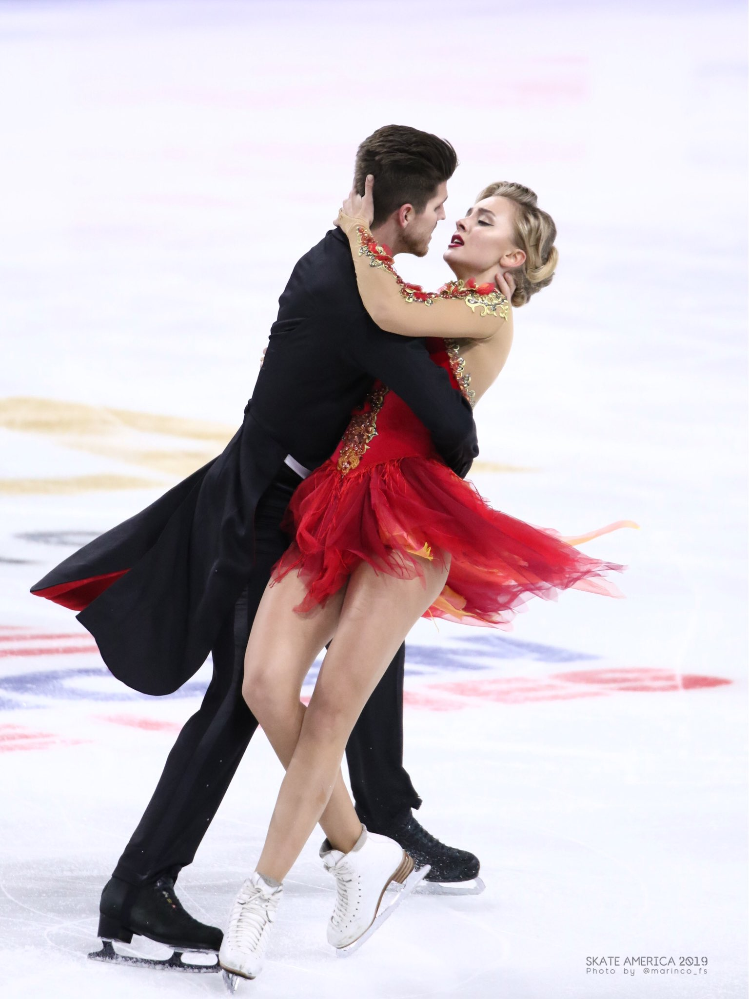 GP - 1 этап. Skate America Las Vegas, NV / USA October 18-20, 2019   - Страница 5 EHJQnZ6UUAEqd3z?format=jpg&name=4096x4096