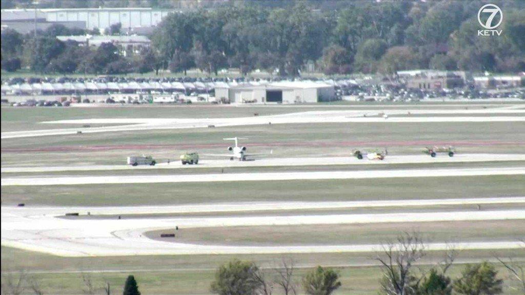 Plane makes emergency landing at Eppley Airfield ketv.com/article/plane-…