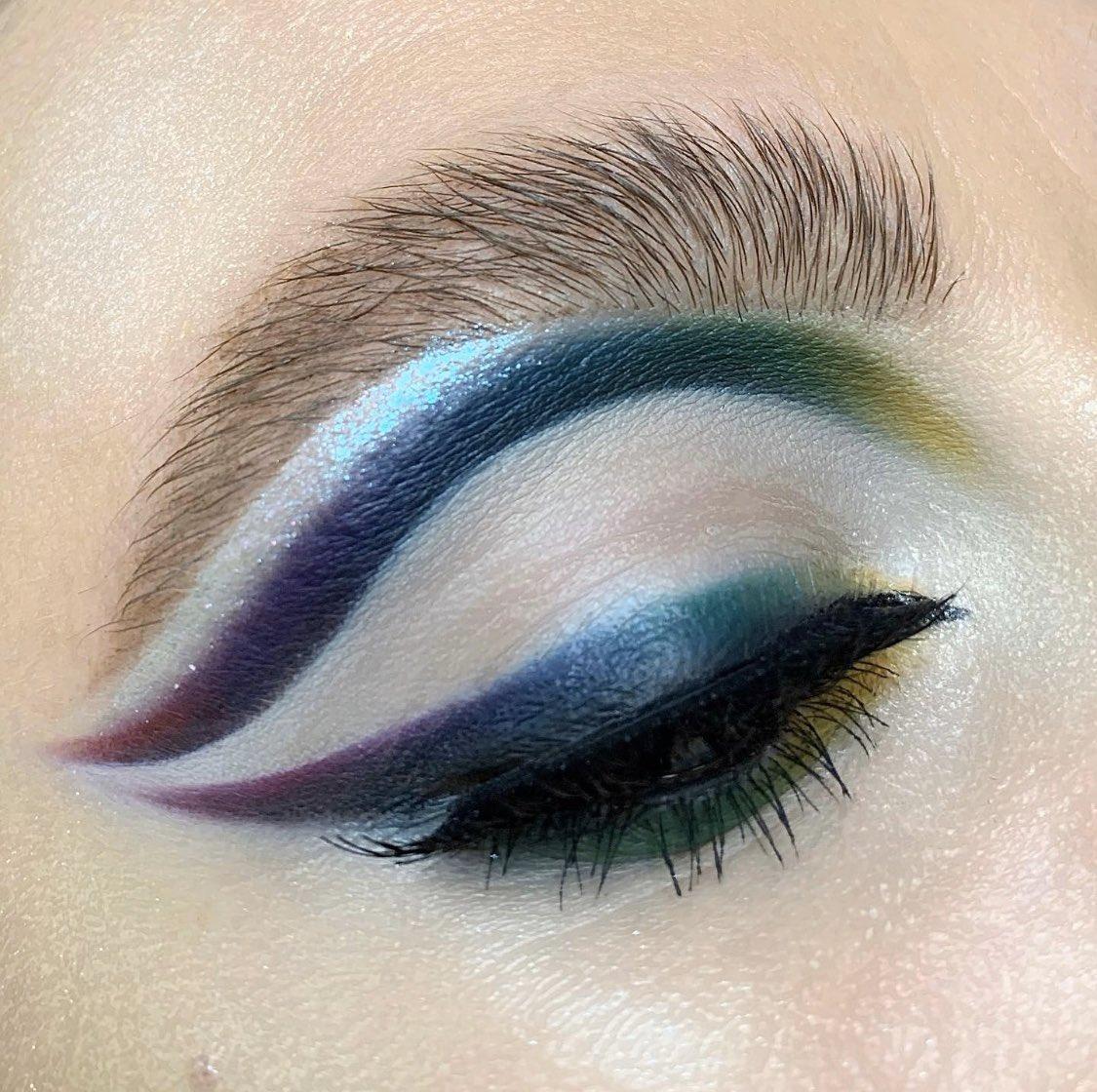 Hi @MakeupRVLTN  My IG http://instagram.com/lya_make_up My last makeup with product    Instinct Palette #revolutionxalexisstone   Transformation Palette #revolutionxalexisstone   Liner Duo #MakeupRevolution   Conceal & hydrate concealer @MakeupRVLTN  . Have a nice day pic.twitter.com/sLkNd6IrKc
