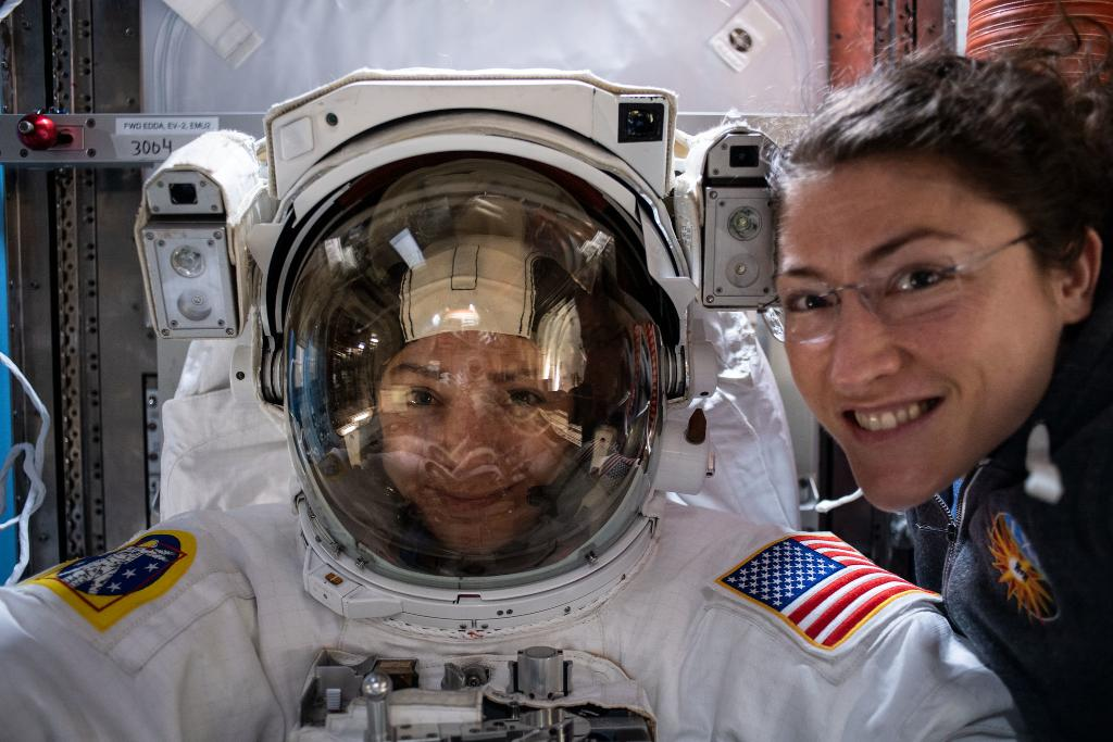 🔴 LIVE 🔴 It's time to make history with @NASA again! Tune in to watch the first all women space walk. 🌑