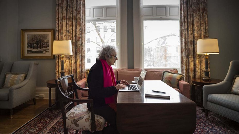 Margaret Atwood Doc Coming to Hulu dlvr.it/RGT0Vh